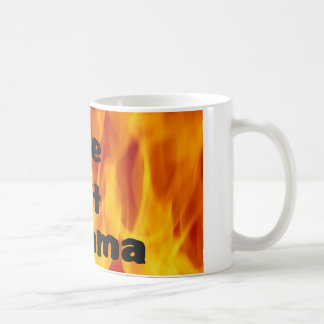 Una taza de café caliente de la mama