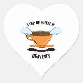 Una taza de café es divina pegatina de corazon personalizadas