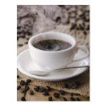 Una taza de café postal