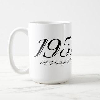 Una taza del año 1951 del vintage