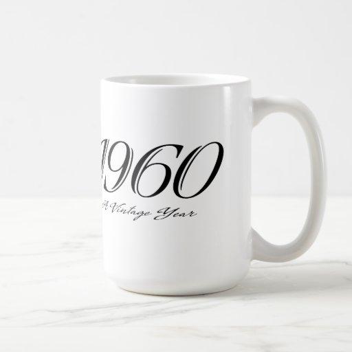 una taza del año 1960 del vintage