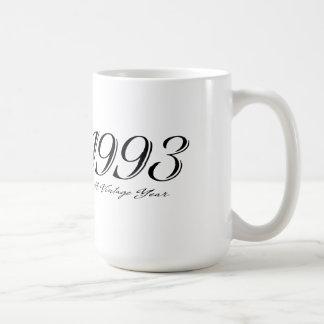 una taza del año 1993 del vintage