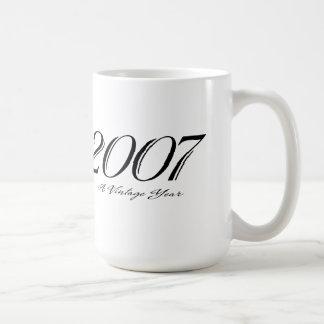 una taza del año 2007 del vintage