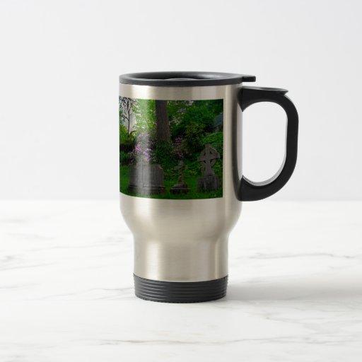 Una taza del viaje del resto de los jardines
