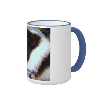 Una taza que describe cómo siento sobre mañanas