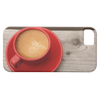 Una taza roja brillante de café del café express funda para iPhone SE/5/5s