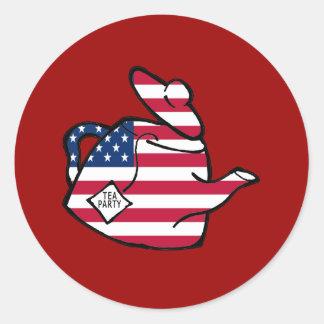 Una tetera en colores de la bandera americana etiquetas redondas