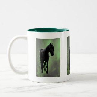 Una tranquilidad de los caballos taza dos tonos