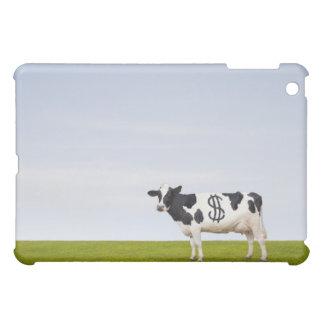 Una vaca lechera de Holstein con los puntos en la