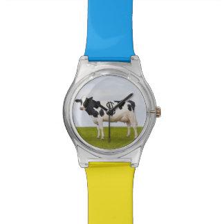 Una vaca lechera de Holstein con los puntos en la Relojes De Pulsera