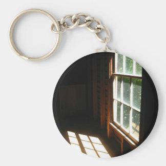 Una ventana de Opertunity Llavero Redondo Tipo Pin