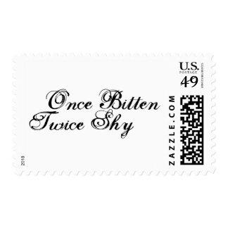 Una vez que dos veces mordida tímido timbres postales