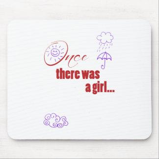 Una vez que había un chica - embellecido con el ti tapete de ratones