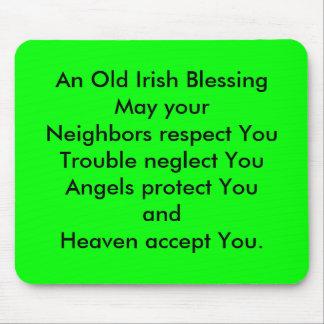 Una vieja bendición irlandesa alfombrillas de ratón