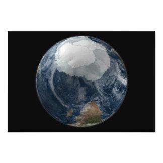 Una vista de la tierra 2 fotografías