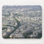 Una vista de París de la torre Eiffel Tapetes De Raton
