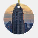 Una vista del Empire State Building, un NYC más ba Ornamento De Navidad