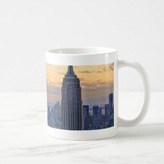 Una vista del Empire State Building, un NYC más Taza