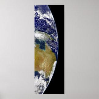 Una vista parcial de la tierra que muestra póster