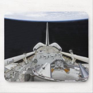 Una vista parcial del transbordador espacial tapetes de ratón