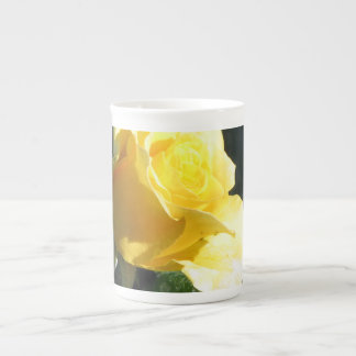 Understated Single Yellow Rose in Bloom. Tea Cup