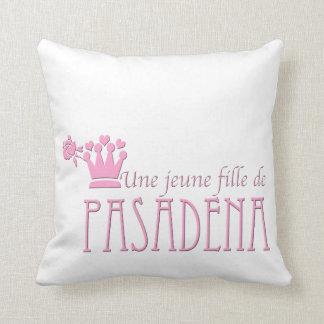 Une jeune fille de PASADENA Pillow