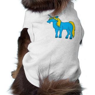 Unicornio azul con la melena del oro playera sin mangas para perro