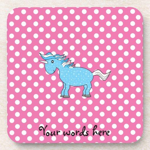 Unicornio azul en polkadots rosados posavasos