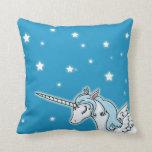 Unicornio azul y blanco de Pegaso Cojines