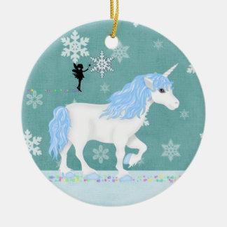 Unicornio azul y blanco personalizado y hada adorno navideño redondo de cerámica