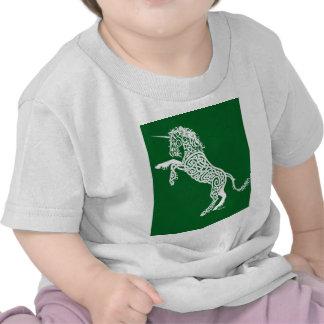 Unicornio blanco de Knotwork en verde Camiseta