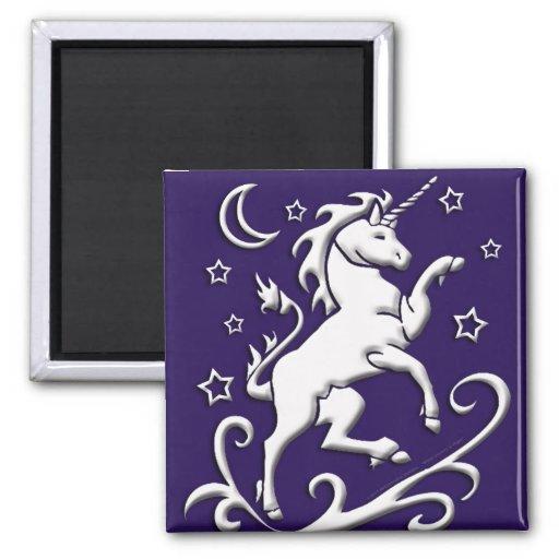 Unicornio blanco en el imán de la noche