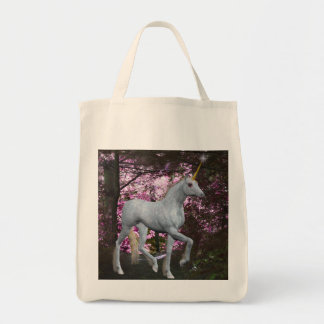 Unicornio blanco en la bolsa de asas de la fantasí