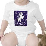 Unicornio blanco en la enredadera del niño de la n trajes de bebé