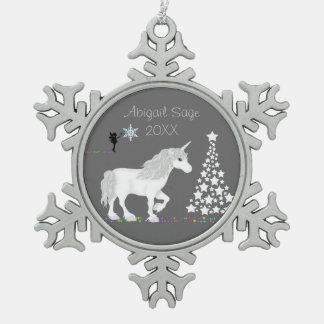 Unicornio blanco mágico personalizado y hada adorno de peltre en forma de copo de nieve