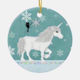 Unicornio blanco personalizado, hada y copos de adorno navideño redondo de cerámica