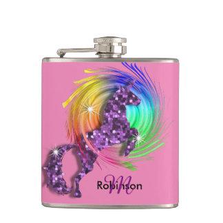 Unicornio bonito del arco iris de la fantasía petaca
