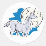 unicornio bonito y Luna Llena Pegatina Redonda