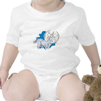 unicornio bonito y Luna Llena Camisetas