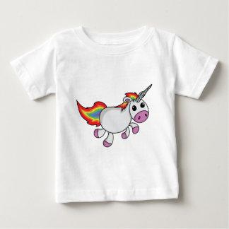 Unicornio con la melena y la cola del arco iris playera de bebé