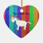Unicornio con las rayas del brillo del arco iris adornos