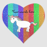 Unicornio con las rayas del brillo del arco iris pegatina en forma de corazón