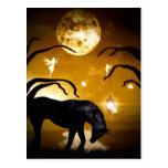 Unicornio de la fantasía y postal de las hadas