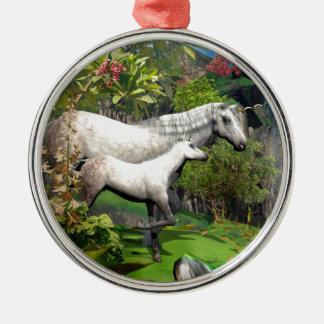 Unicornio de la madre y del potro ornamento de navidad