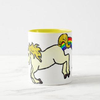 Unicornio de Pooping del arco iris de Riyah-Li Taza De Dos Tonos