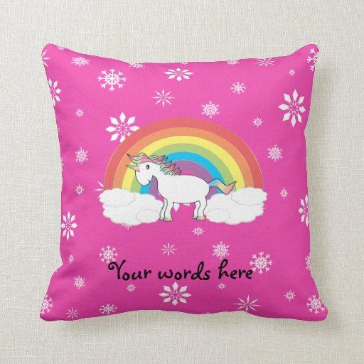 Unicornio del arco iris con los copos de nieve ros cojin