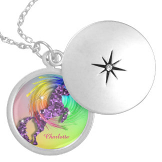 Unicornio del arco iris de la fantasía collar redondo