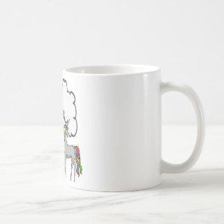 Unicornio del arco iris taza básica blanca