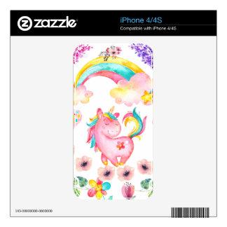 Unicornio del bebé que juega el regalo único del skins para eliPhone 4