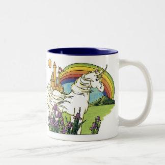 Unicornio del cuento de hadas taza de café de dos colores